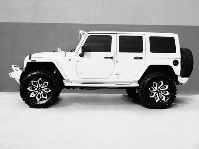2016 Jeep Wrangler Unlimited Nav Leather Custom White Interior Jeep Wrangler Accessories Jeep Wrangler Unlimited Dream Cars Jeep