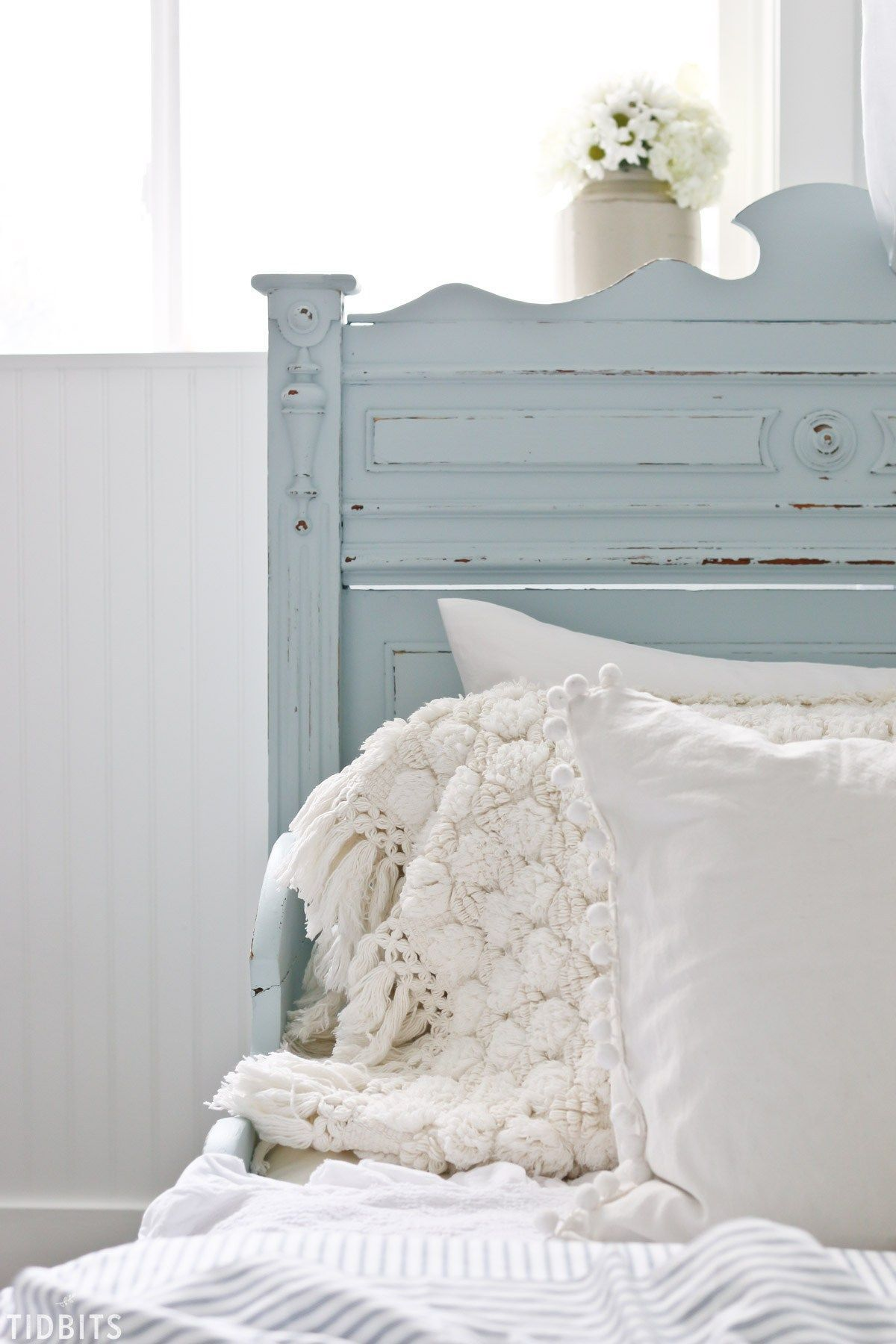 blue and white girls bedroom makeover bedroom decorating ideas rh pinterest com