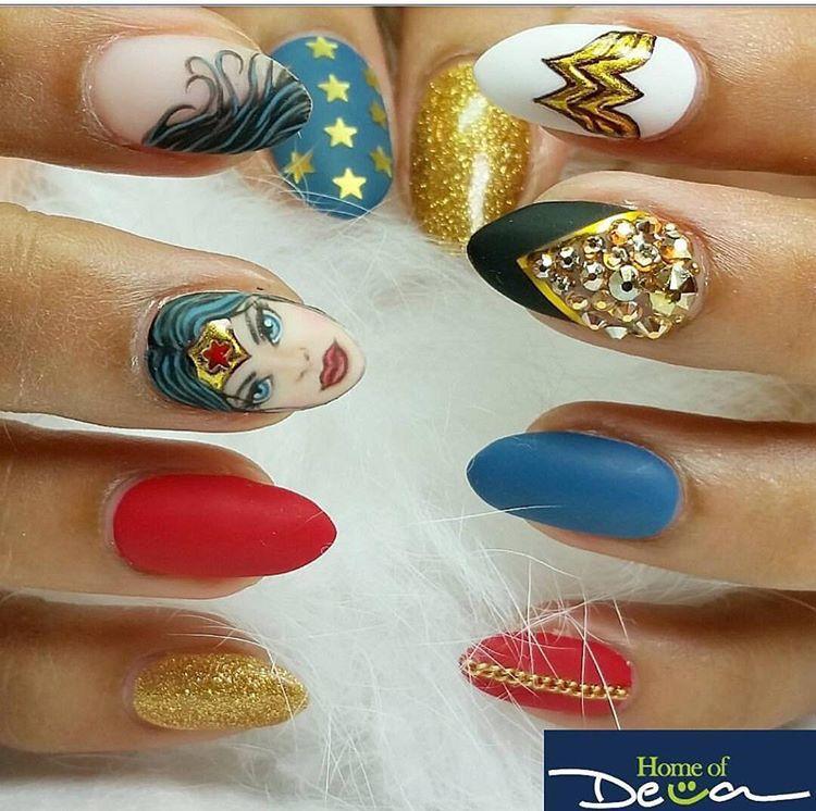 Wonder Woman Nail Art: Wonder Woman Nails
