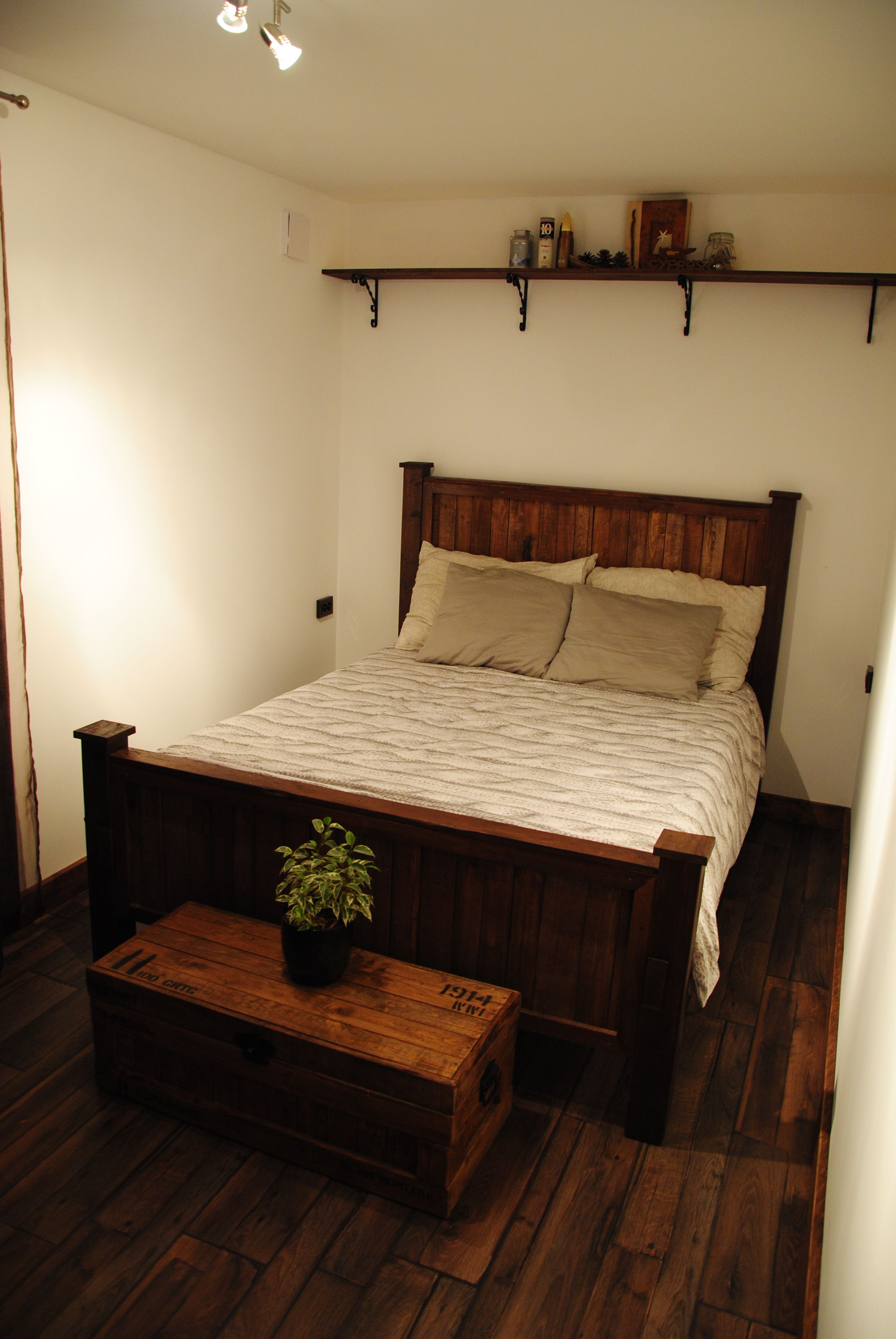 pallet king size bed King size bed, Bed, Home decor