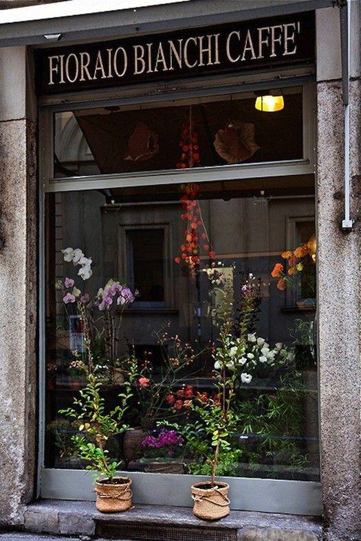 fioraio-bianchi-caffe-milan-shop-windows-gardenista-1