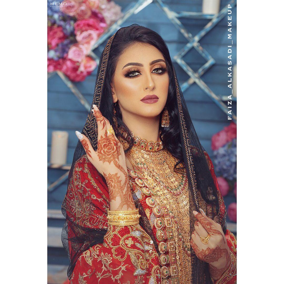 منى صفي Mona Saafi Instagram Photos And Videos Traditional Dresses Indian Outfits Photoshoot