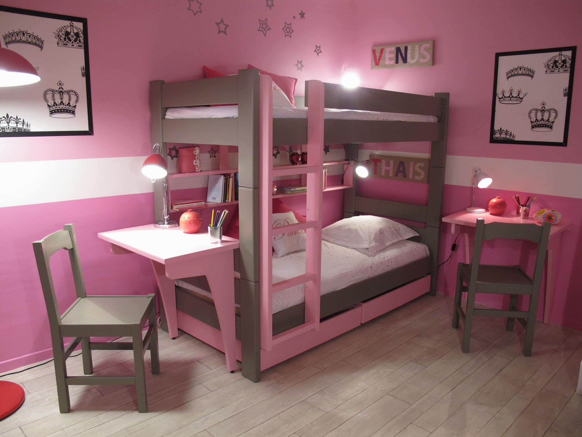 Double deck bedroom for kids girls - Cute Bunk Bed Idea For Teenage Girls With Pink Wall Paint Color And Wooden Floor Also