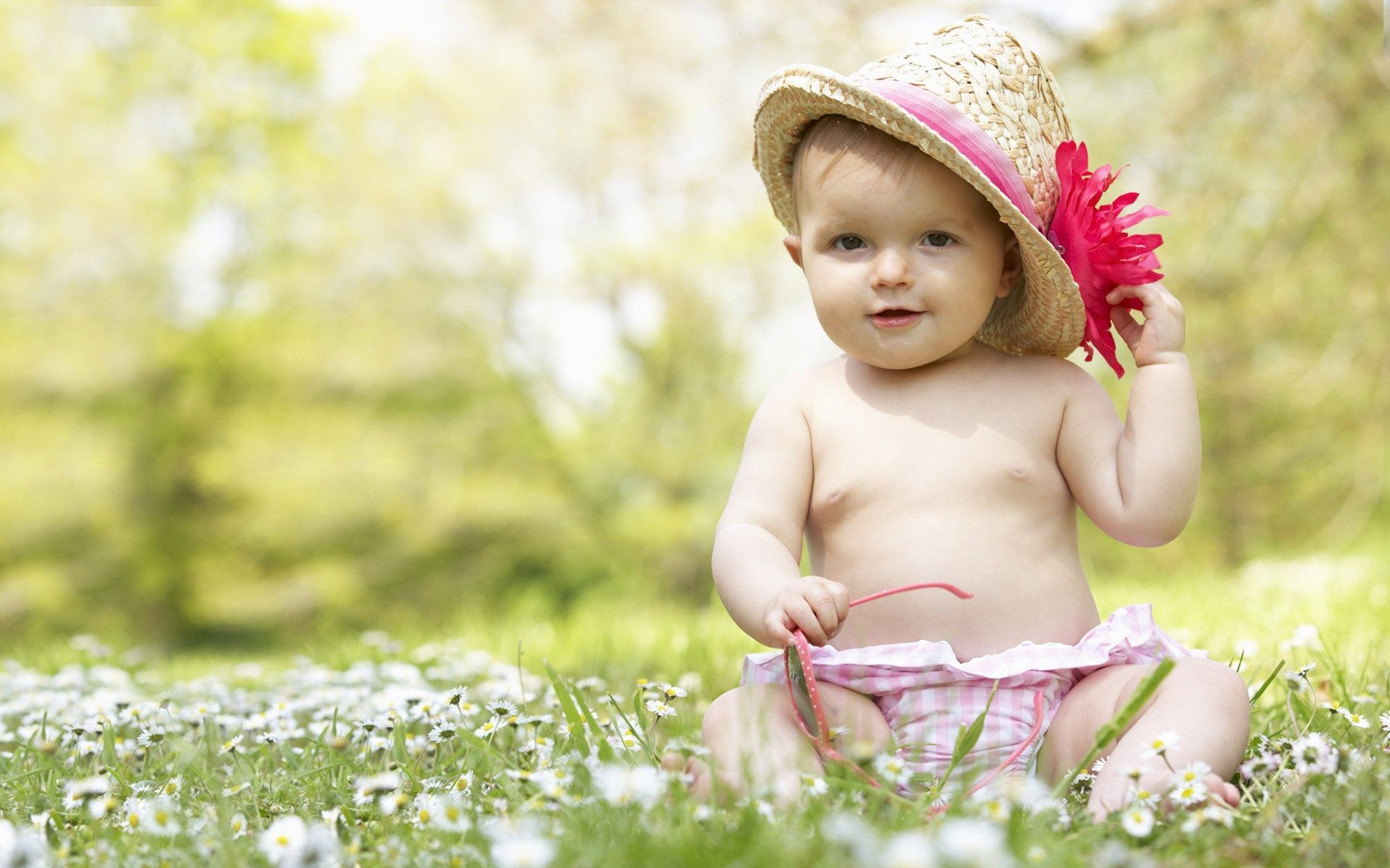 beautiful sweet baby: cute baby girl cute smiling flying kids free