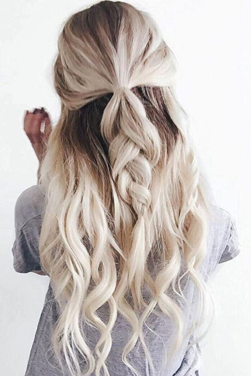 43 Cute Holiday Hairstyles Perfect For New Years Party Seasonoutfit Hair Styles Long Hair Styles Winter Hairstyles