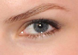 metallic bronze eyeliner..looks pretty on the lower side of the eye
