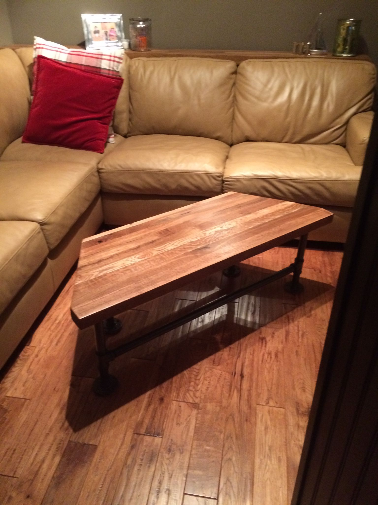 Coffee Tables Out Of Pallets Coffee Table Made Out Of Reclaimed Oak Pallets And Industrial