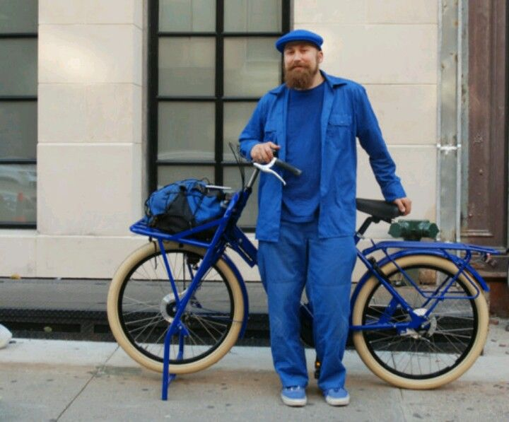 Another NYC work bike ridden by Ike.