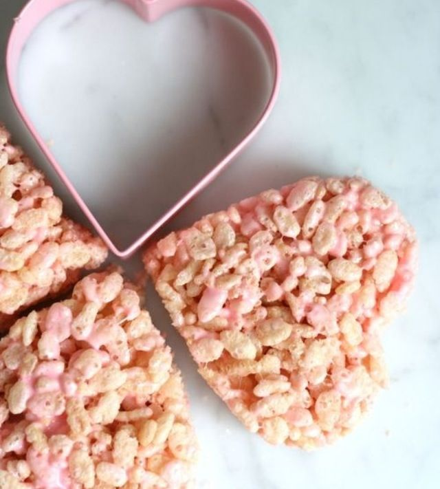 Add pink food coloring to your Rice Krispies Treats use cookie ...