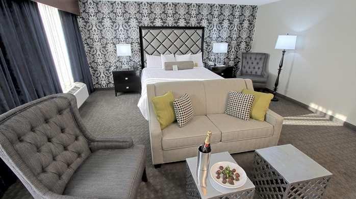 Hilton Garden Inn Westbury Hotel NY Westbury Bridal Suite