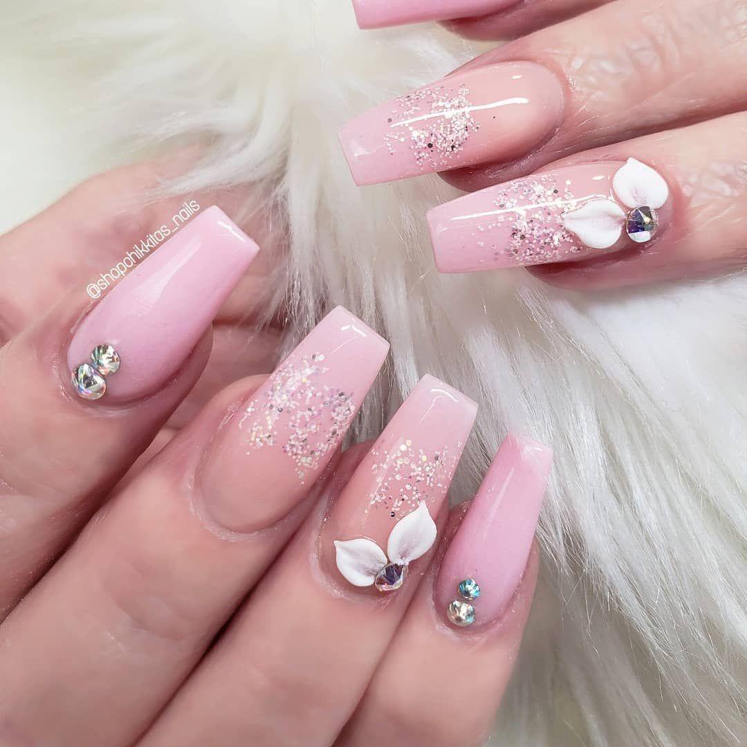 La Imagen Puede Contener 1 Persona Primer Plano Pink Nails Acrylic Nail Designs Nail Designs