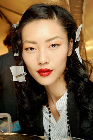 Congrats to Liu Wen, Victoria's Secret's First Asian Runway Model ...