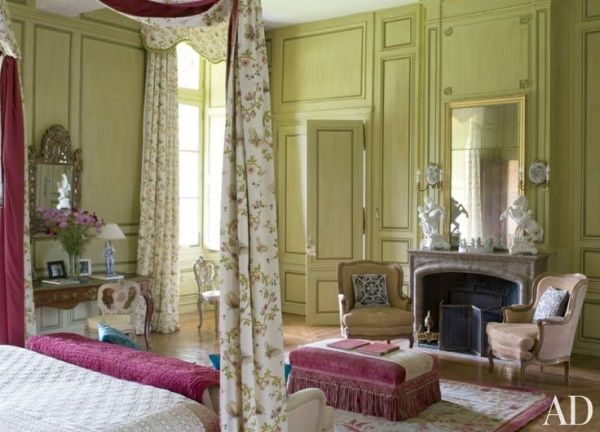 Mlinaric Pale Pistachio Green Walls And A Pink Rose Savonnerie Rug As In This Bedroom 16th Century Château Near Paris Designed By