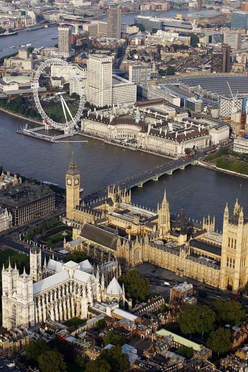London from above: Westminster Abbey, the Parliament building, and the London Eye all in one picture. PERFECT!