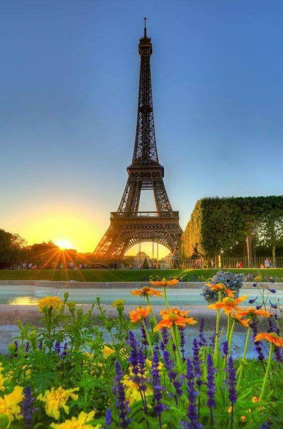 Atardecer sobre París