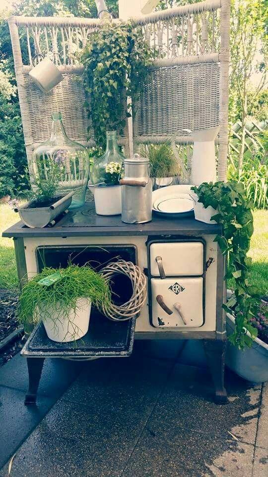 Shabby Küchenhexe im Garten   Farmhouse   Pinterest   Küchenhexe ...