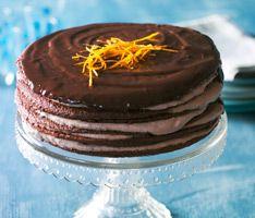 Orange-chokolade lagkage - klik på billedet for at se mere... #karenvolf #lagkagebunde #opskrift #dessert #lagkage #fødselsdag