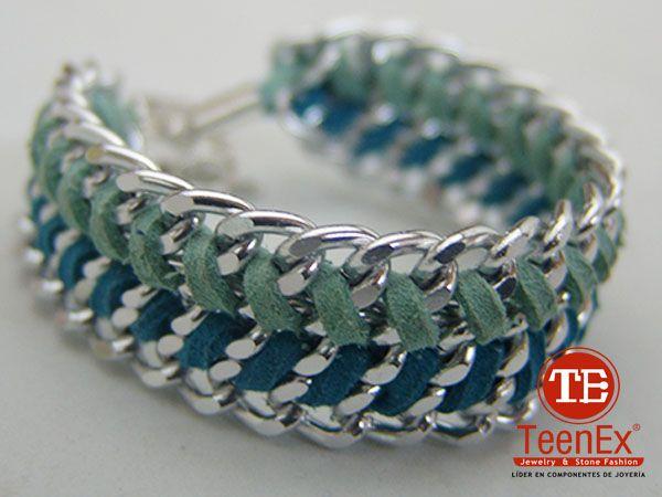 Pulsera: técnica tejido con textil.