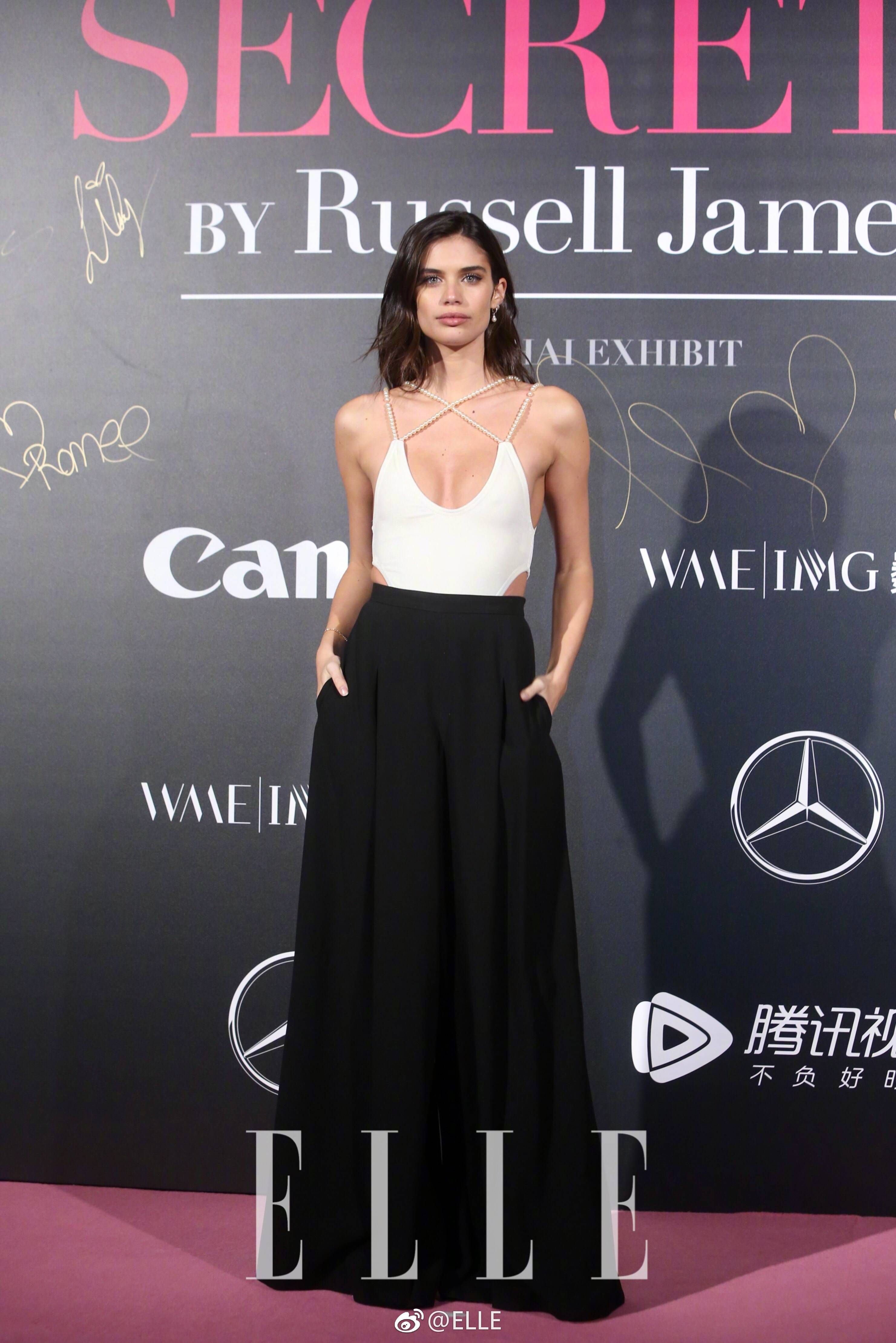 ec5fbc202ad Pin by aliceeee on Red carpet dresses in 2019