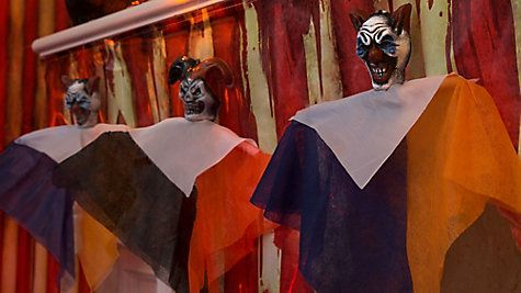 9 creepy carnival decorating ideas that don t clown around