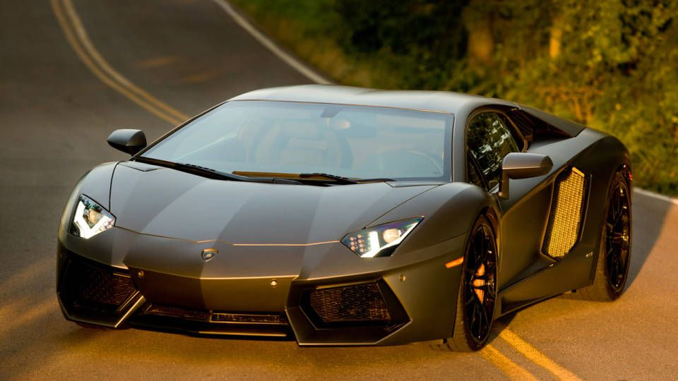 The Cars Used In The Transformers 4 Movie Transformers 4 Lamborghini Aventador Cars Movie
