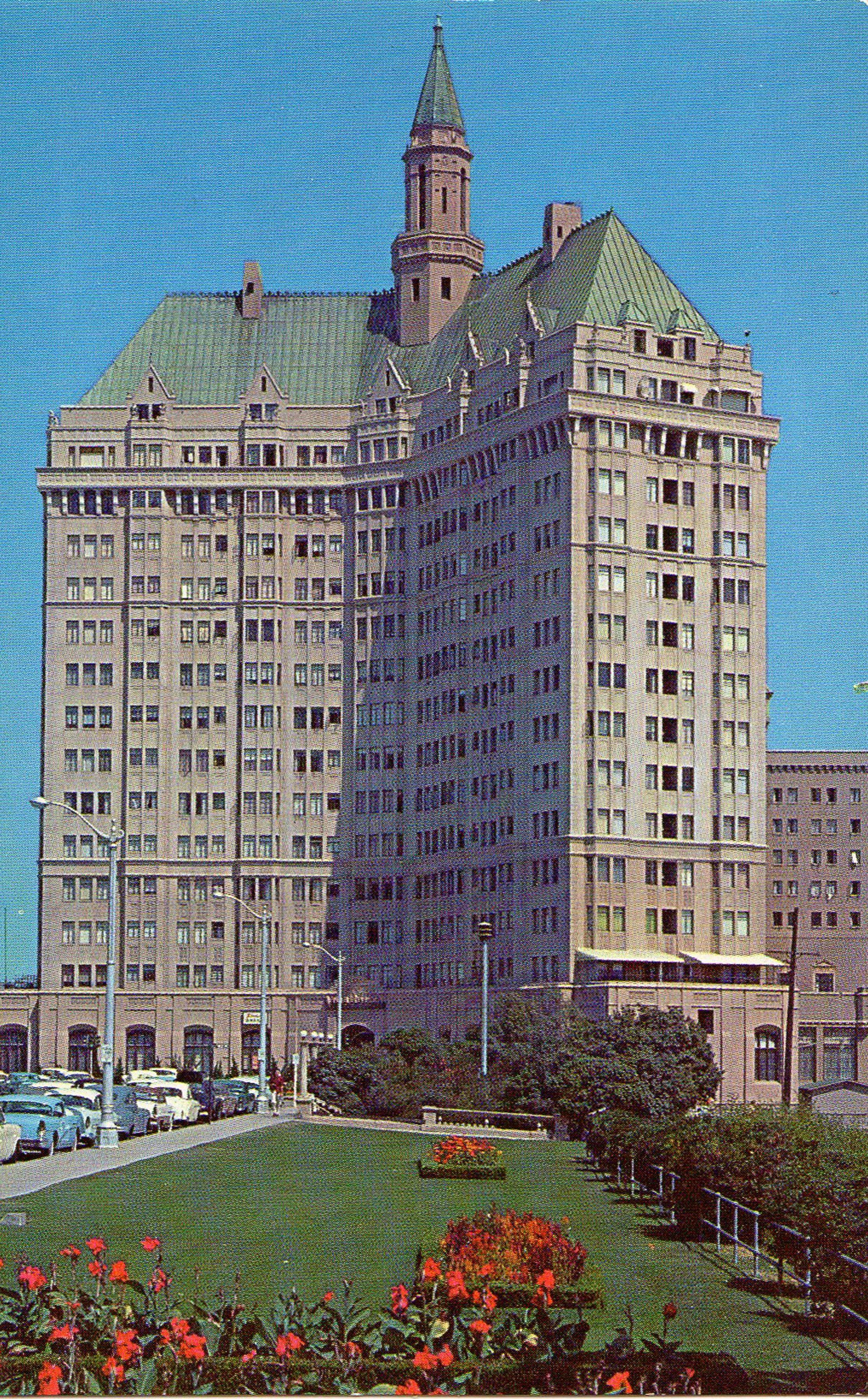 Villa Riviera Hotel Long Beach 1950's Postcard. Hagins