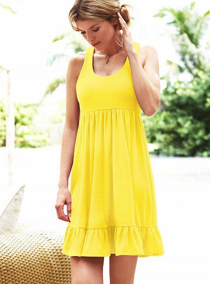 yellow dress....just love these simple kinds of dresses. I could ...