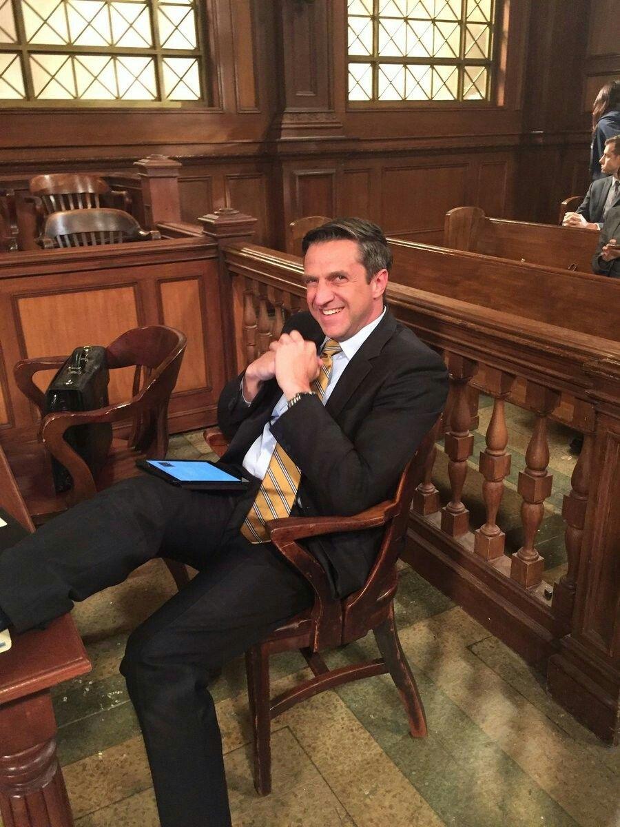 Raul Esparza Svu19 Bts Law And Order Svu Hot Actors Raul Esparza
