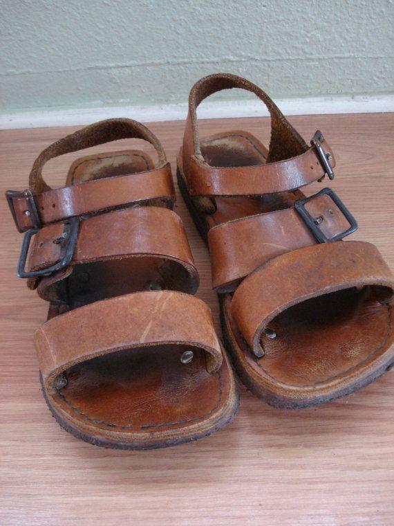 6cff93abc673d Vintage 1970s Leather Sandals Baretraps Mens Womens 2013400 ...