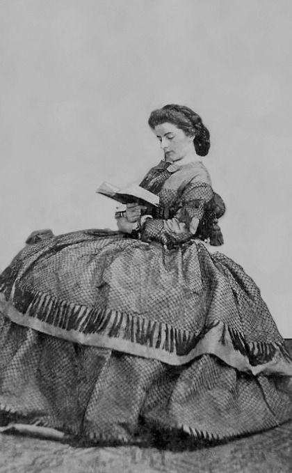 1862 Maria Sofia di Baviera, regina di Napoli by Fratelli d'Alessandri | Grand Ladies | gogm