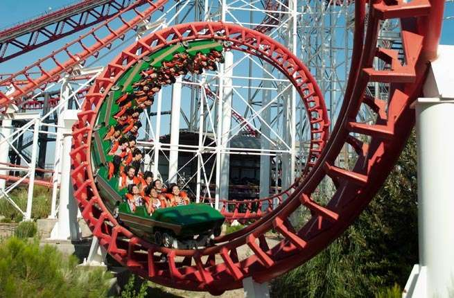 <p><strong>Where:</strong> Valencia, California</p><p><strong>Main Attraction:</strong> Twisted Colo... - Six Flags Magic Mountain