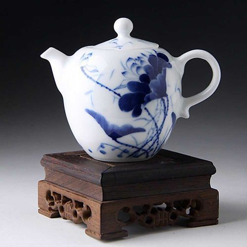 Hand painted lotus teapot Chinese Blue and white porcelain tea pot 250ml