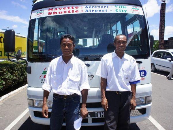 """Résultat de recherche d'images pour """"bus  transport public Madagascar"""""""