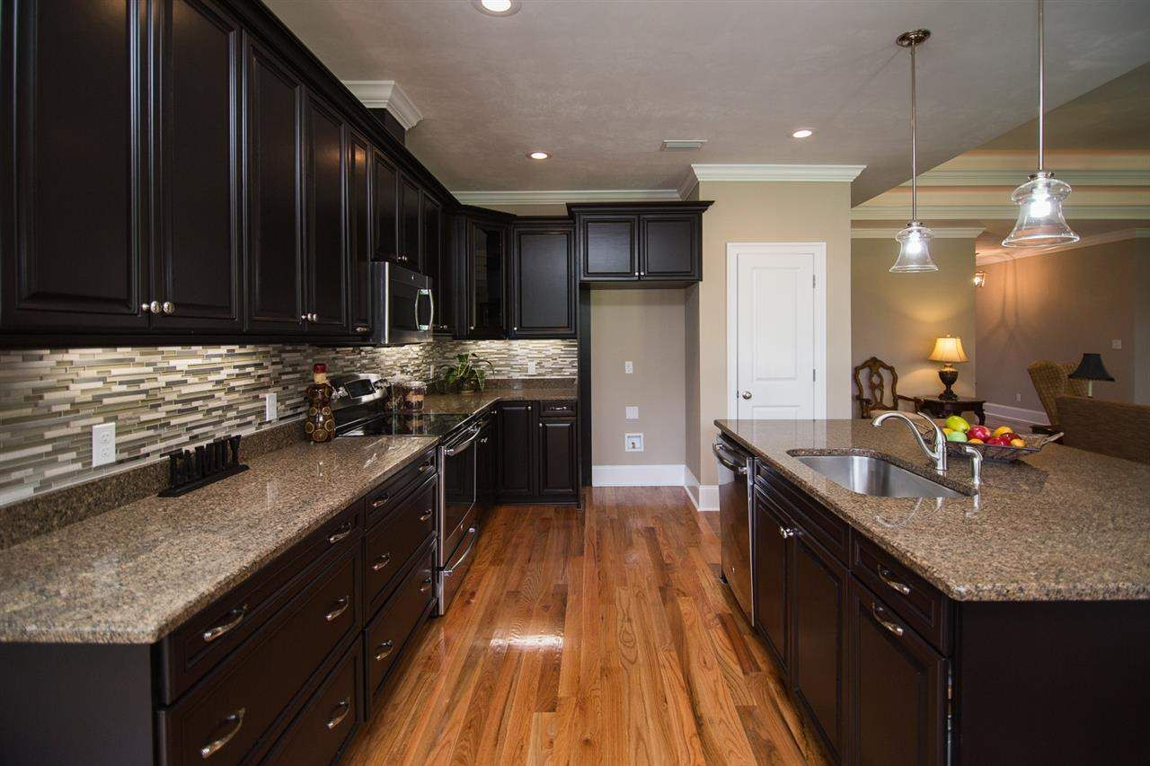 149 Cortona Hills Circle Tallahassee Fl 33825 Photo 3 Home Kitchens Kitchen Kitchen Cabinets