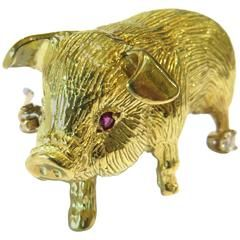 Exceptionally Adorable Ruby Eyes Diamond Gold Pig Brooch