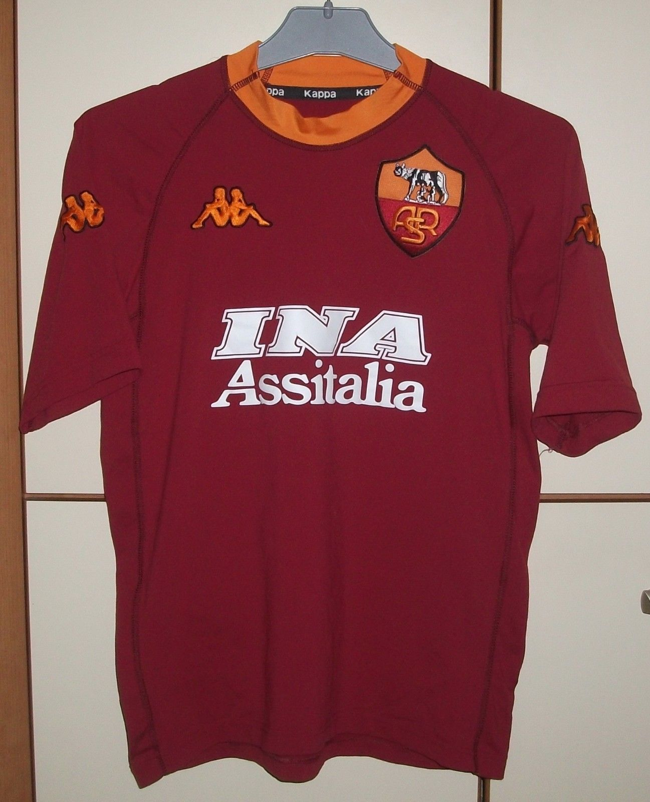 01332ac6b AS ROMA ITALY 2000 2001 HOME FOOTBALL SHIRT JERSEY KAPPA SIZE S (eBay Link)