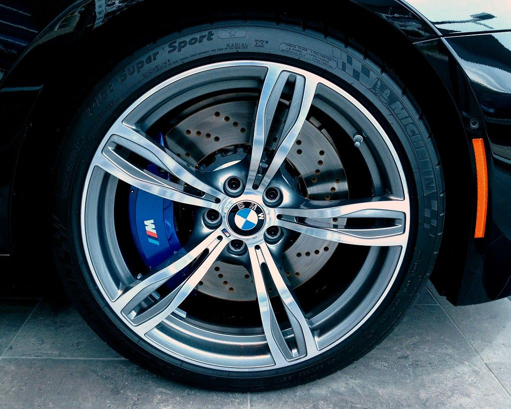 2013 Bmw M6 Wheels Love The Blue M Power Calipers Painted Also