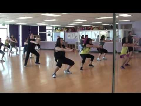 drop it low zumba i 39 m in love with this song and. Black Bedroom Furniture Sets. Home Design Ideas