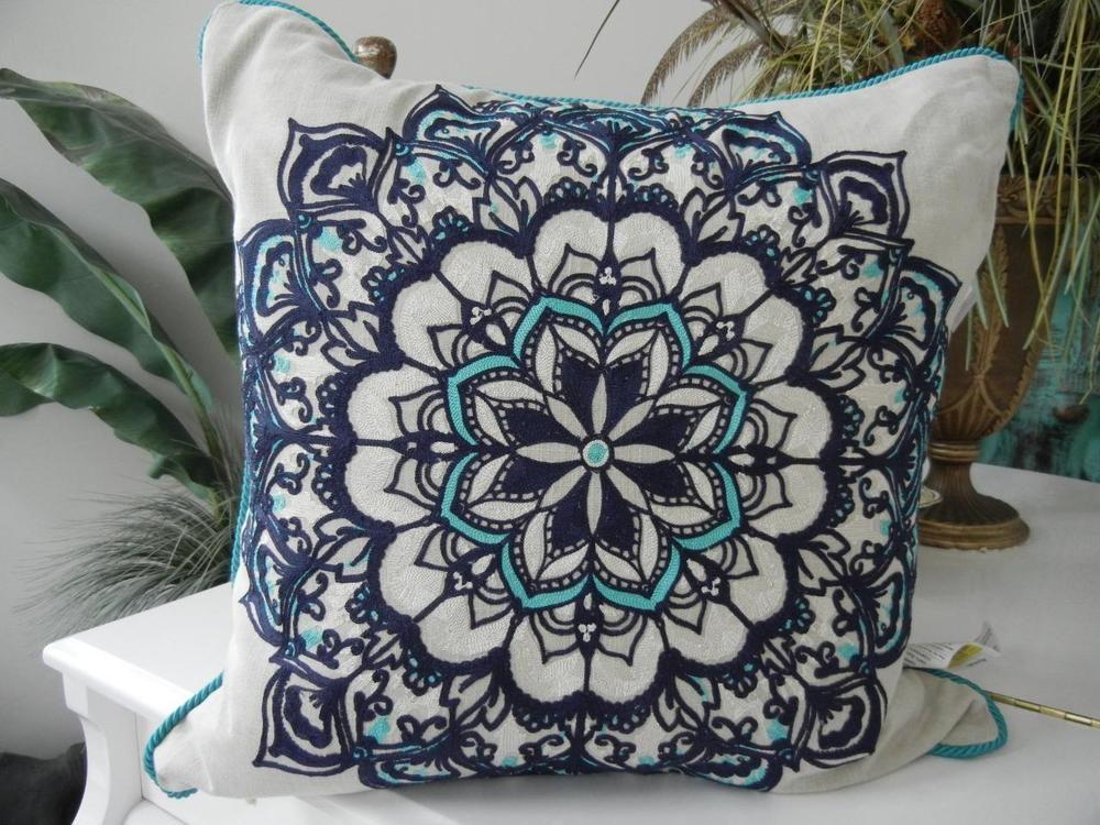 NWT 40 KIM SEYBERT DESIGNER 406x 406 EMBROIDERED FEATHER FILL Stunning Kim Seybert Living Decorative Pillows