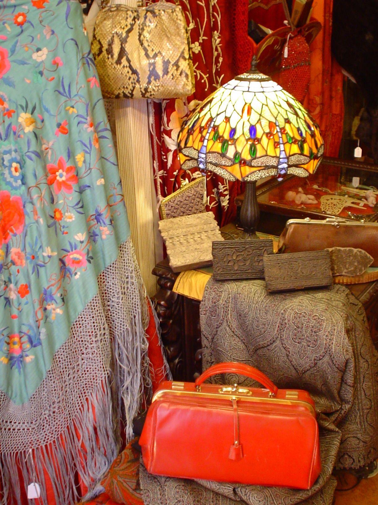 Nuestra Tienda Antiguedades Frivolite Calle San Vicente De