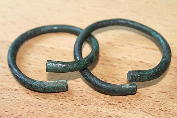 Two miniature bracelets of the Cimmerian era 12th  10th