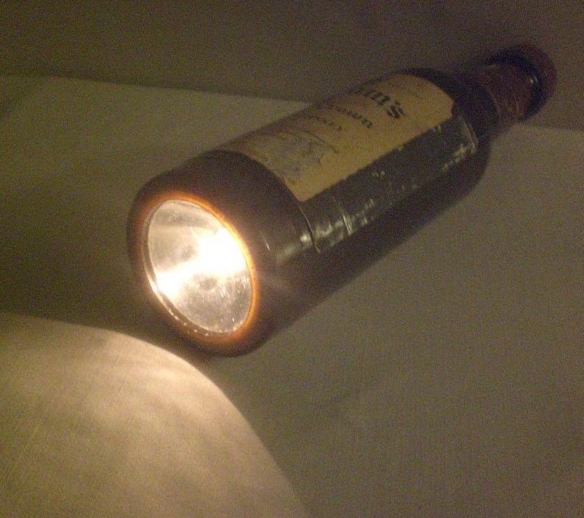 Vintage 1970's Seagrams 7 Bottle Shaped FLASHLIGHT Crown Whiskey Liquor WORKING https://t.co/8yTks5GZiG https://t.co/fLmRVNIWKl