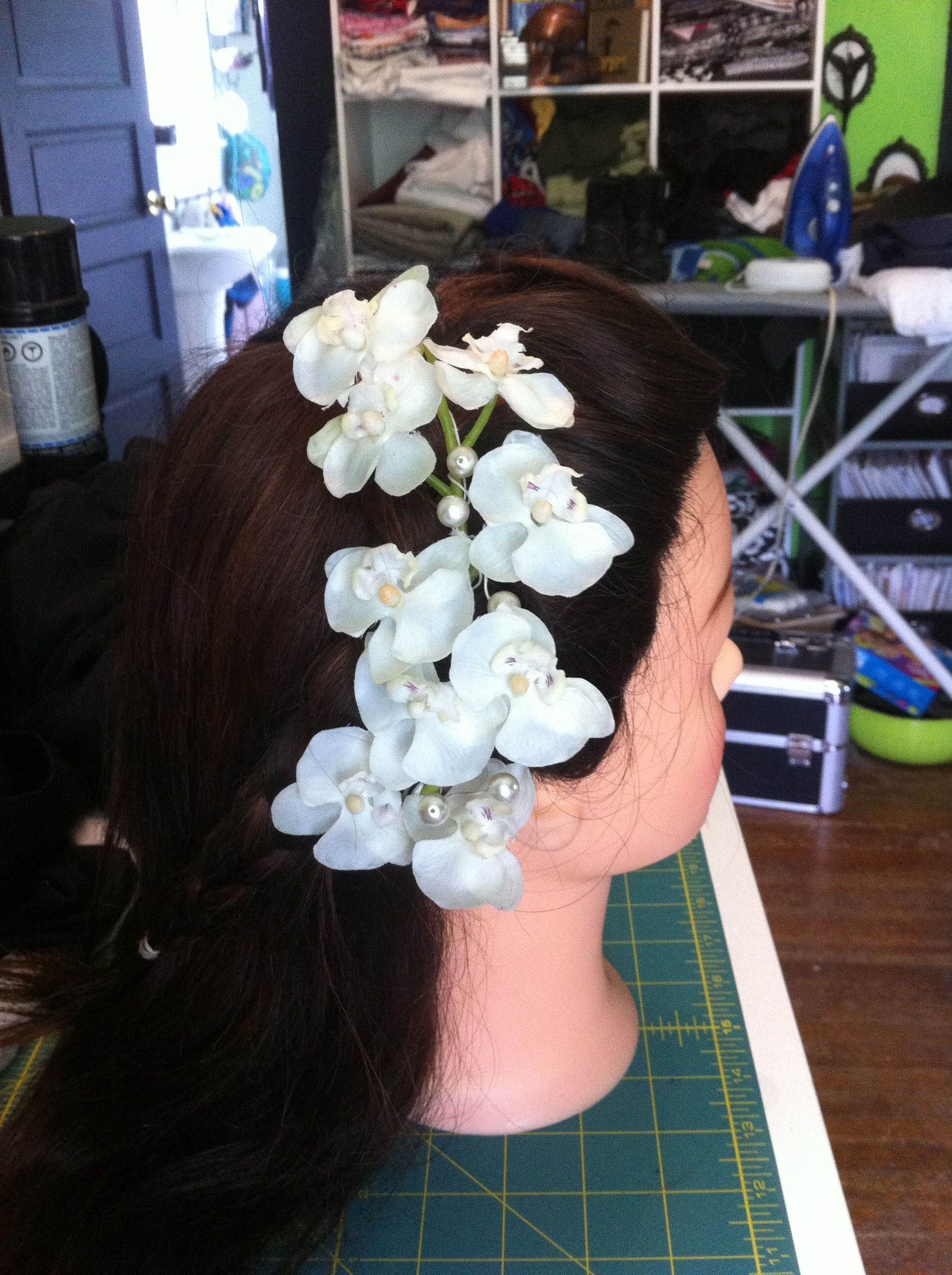 Orchid and pearl fascinator (I absolutely love this!)