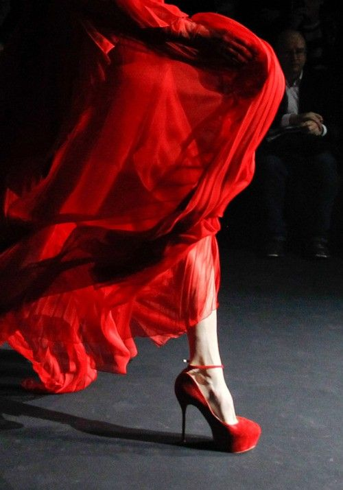 b692c2c0e red shoes an dress love in motion!   Lady in Red   Red fashion, Red ...