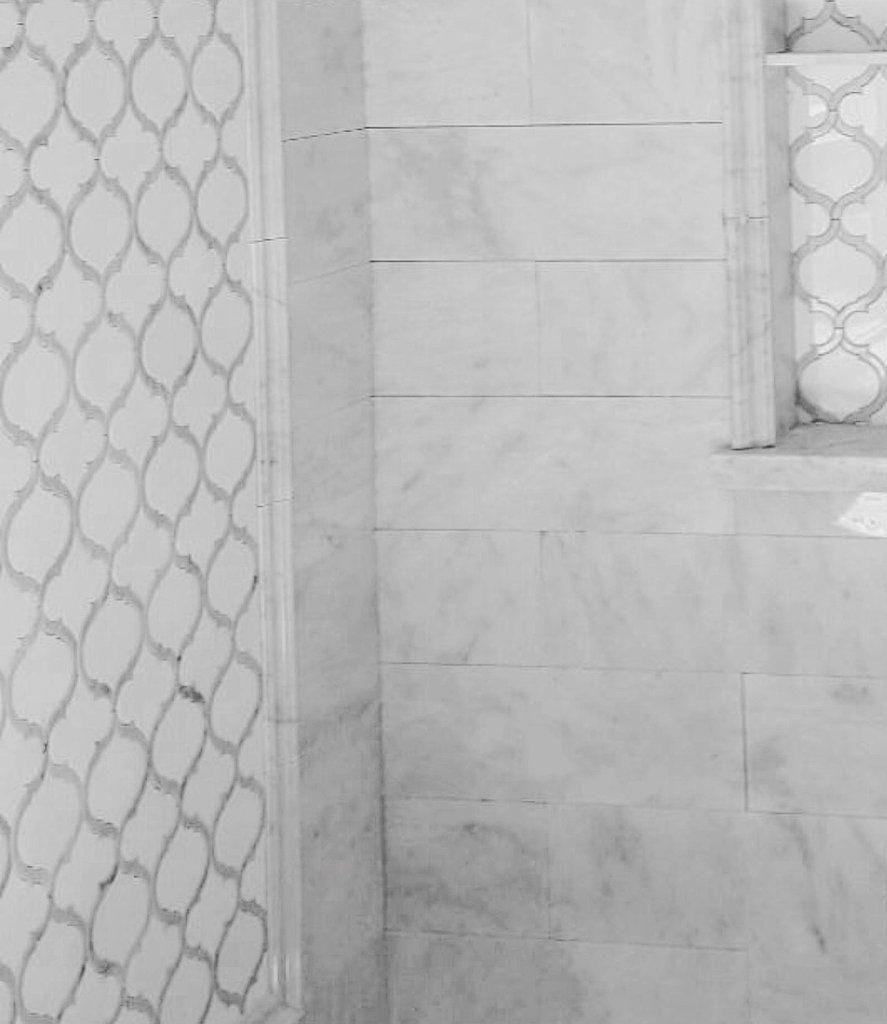Photo of White Thassos & Carrara marble arabesque Marrakesh water jet mosaic – TileBuys …