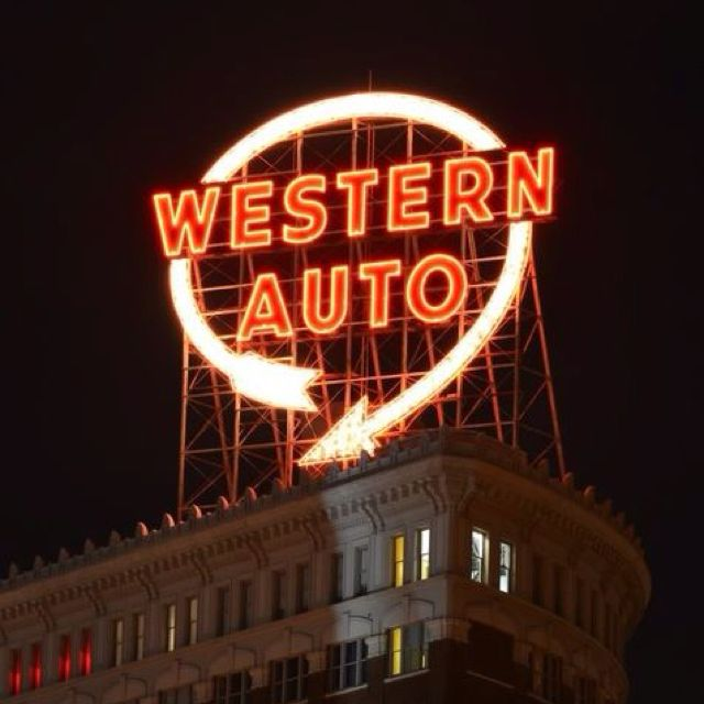 Western Auto Sign Integral Part Of The Kansas City Skyline