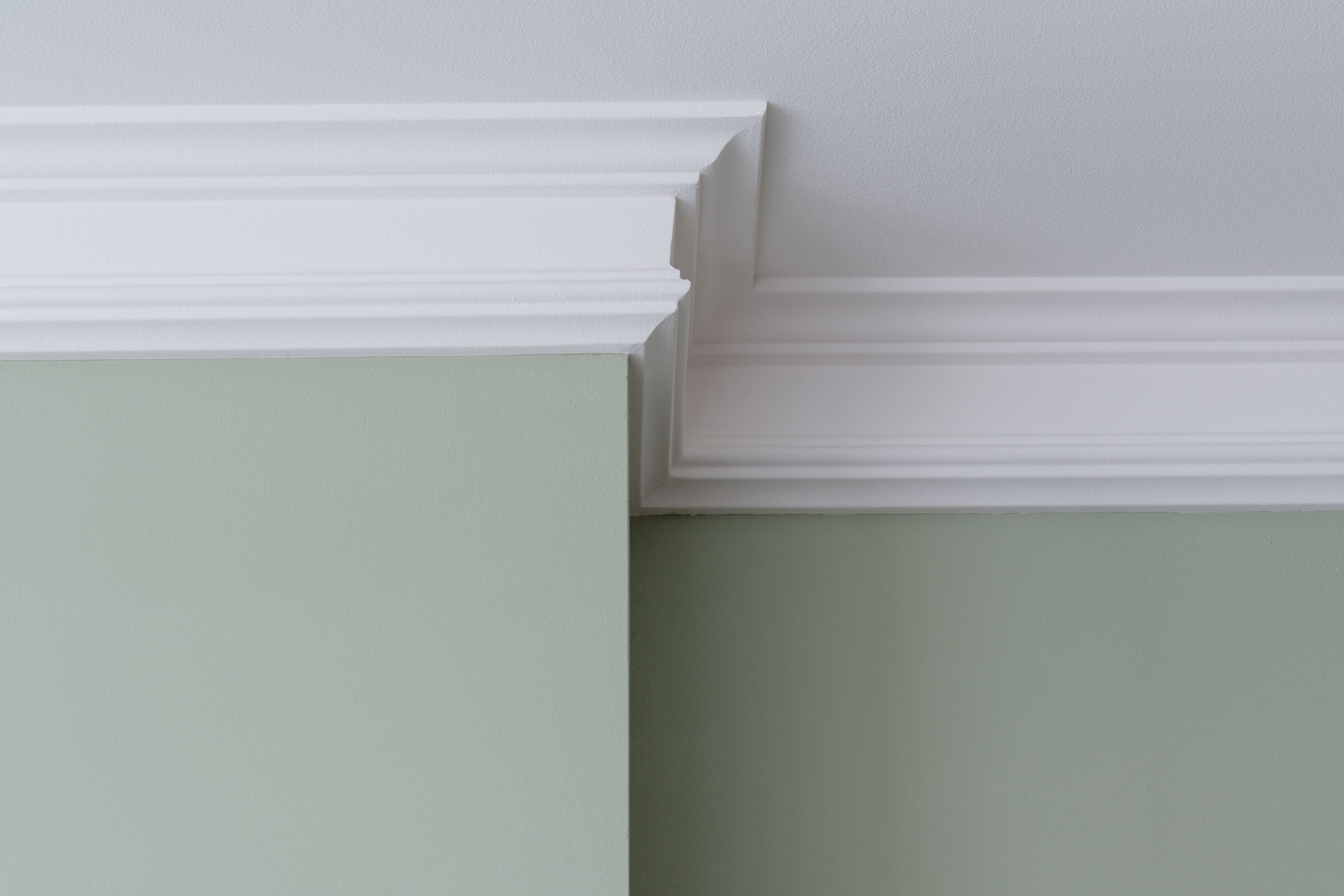 Is Crown Molding Supposed To Be The Same Color As Ceiling Paint Crown Molding Kitchen Moldings And Trim Ceiling Crown Molding