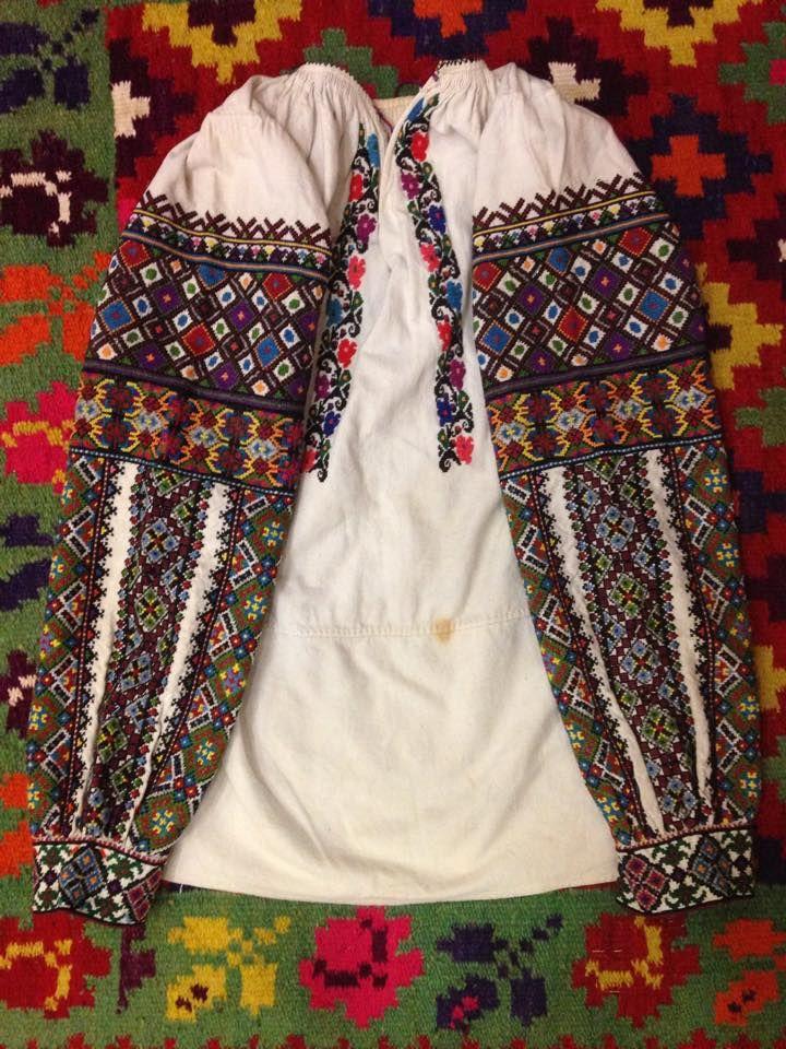 1Давній народний одяг добавил(а) 3 новых фото. Сорочка з с.Залісся  Борщівського р-ну ba814f7c90552