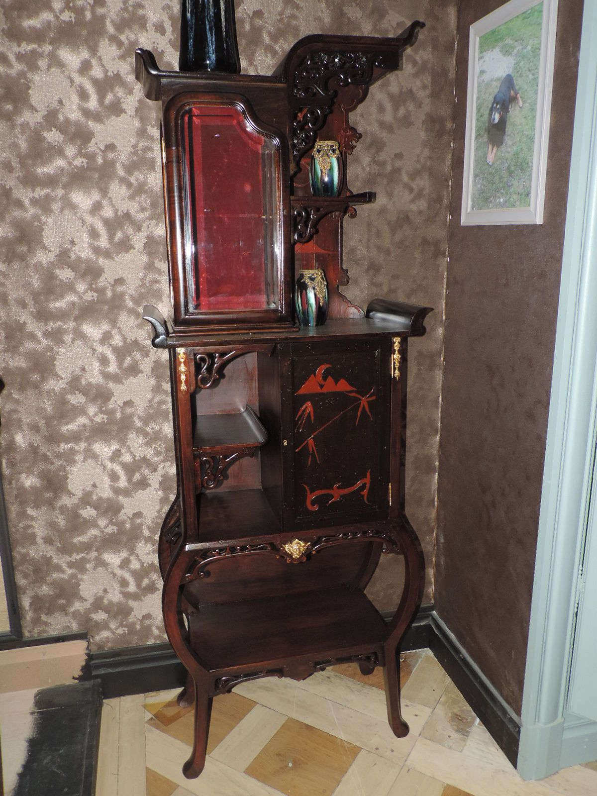 meuble de pr sentation tag re dans le go t de gabriel viardot asiatique gabriel viardot. Black Bedroom Furniture Sets. Home Design Ideas