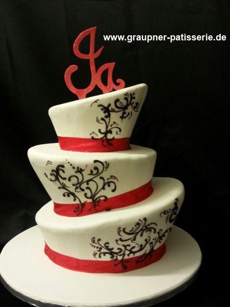 Hutformige Hochzeitstorte In Schwarz Weiss Rot Mit Wort Ja Auf Der